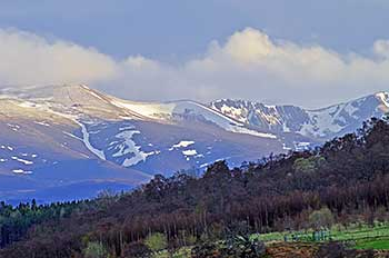 cairngorms-spring-snow