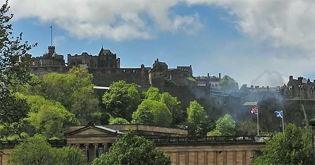 Smoke from the 1 o'clock gun at Edinburgh Castle
