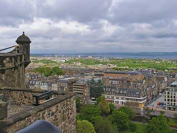 edinburgh-view-from-castle