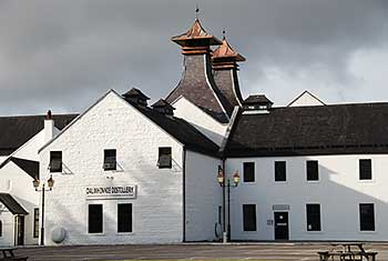 highland-distillery-dalwhinnie
