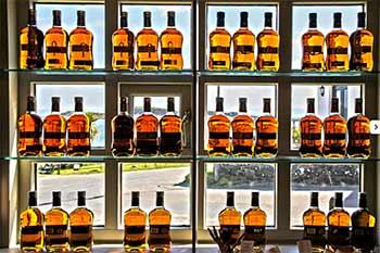 isle-of-jura-distillery-bottles