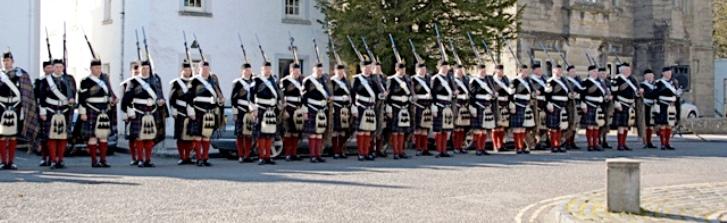 atholl highlanders parade